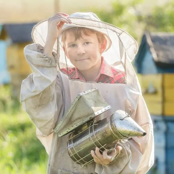 Bees and Beekeeping with myhomesteadlife.com