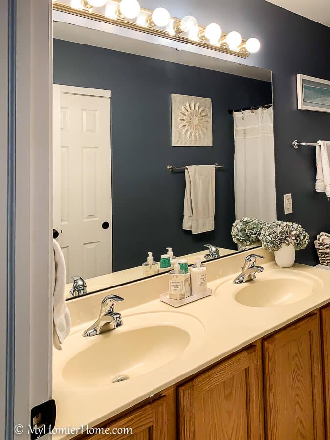easily spray paint bathroom countertops