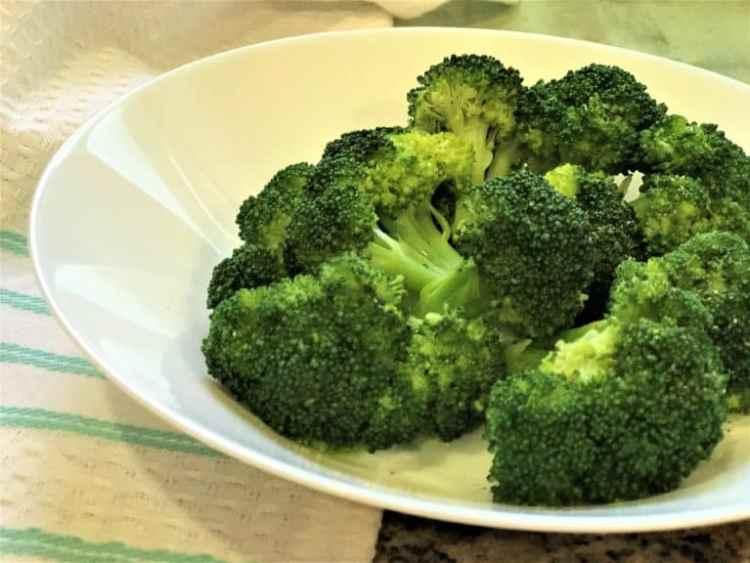 Steamed-Broccoli-Instant-Pot-Pressure-Cooker-1-768x576.jpg
