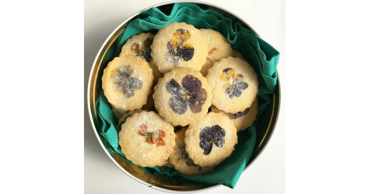 Lori Stern's Edible Flower Cookies