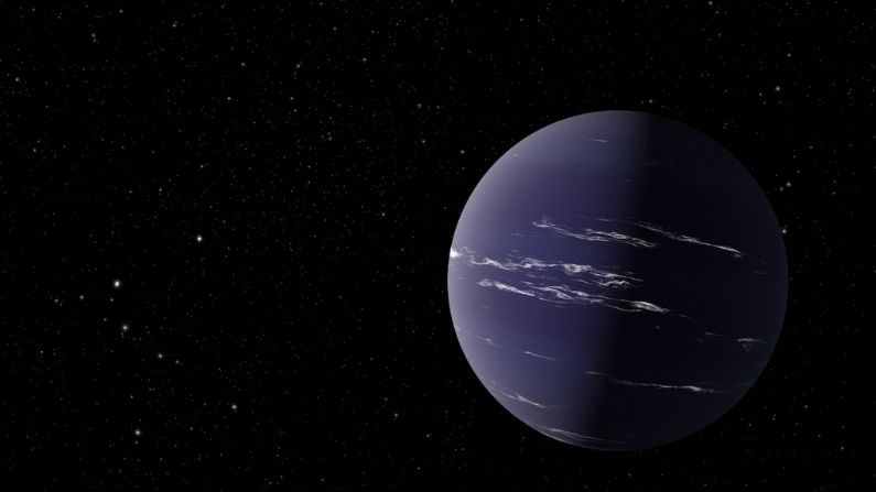 NASA discovered 'Earth 2.0' in space!  Scientists hope that clouds of water may exist on the planet
