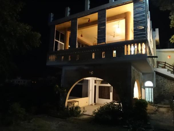"""Tripti Hotel, Único en Rishikesh"""