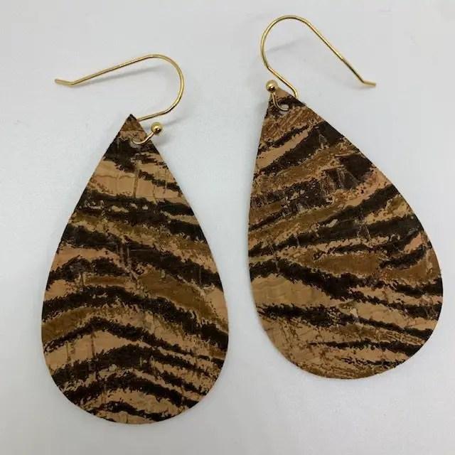tiger cork earrings diy