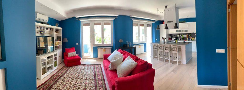 Una porta scorrevole tra cucina e soggiorno, open space con vetrata e. Come Arredare La Cucina A Vista Nella Zona Giorno Architettura E Design A Roma