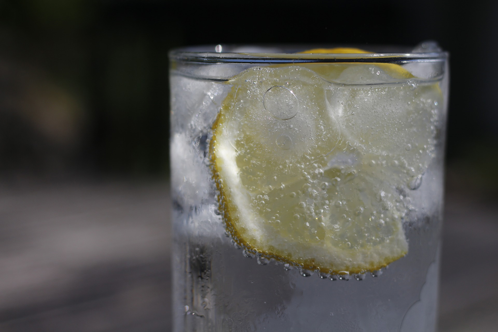 How To Remove Invisalign - glass of water with ice