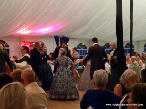 5th and 3rd Figures of the Caledonian Quadrilles danced by the Beaconsfield Assembly