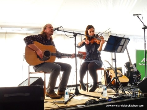 "PEI Musicians, Spencer Phillips and Ellen MacQuillan, Entertain at the ""Taste of Tyne Valley"" PEI Fall Flavours 2017 Event"