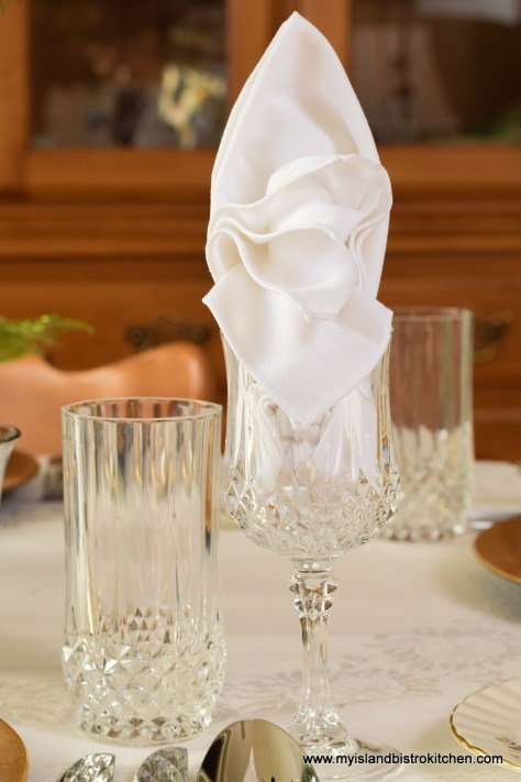 The Bird of Paradise/Sailboat Napkin Fold