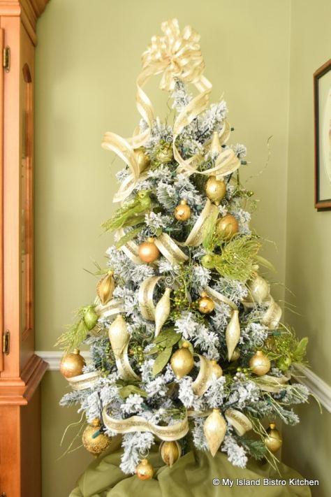 Tabletop Flocked Christmas Tree