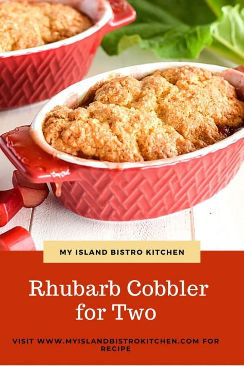 Dessert with Rhubarb Sauce Base with Biscuit Topping