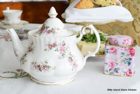 Pretty Pink Floral Teapot for Teatime