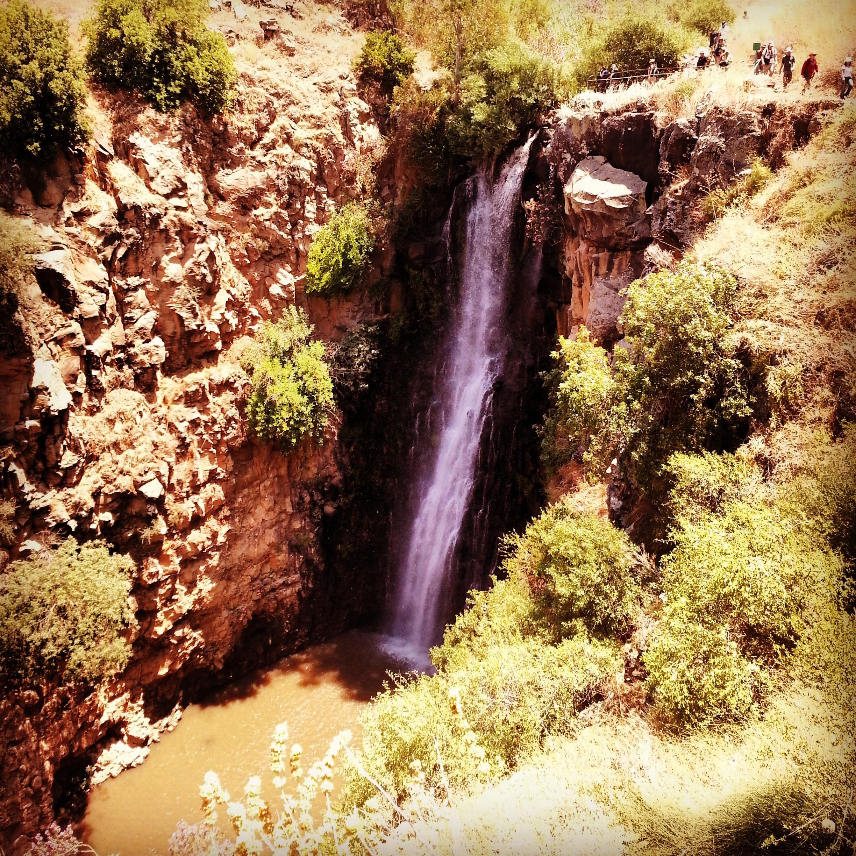 Waterfall in Nachal Jilabun / Gilabon