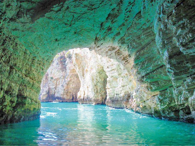 Grotta dello Smeraldo - Emerald Grotto