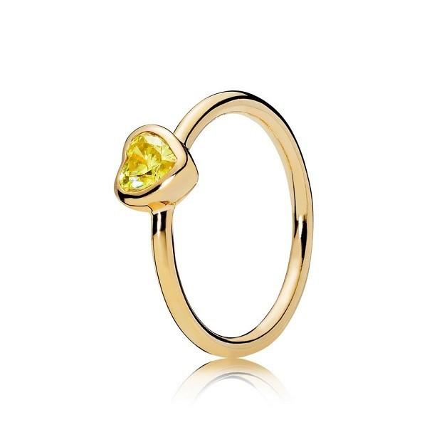 Anello Cuore Luminoso è tra i migliori anelli Pandora del 2019