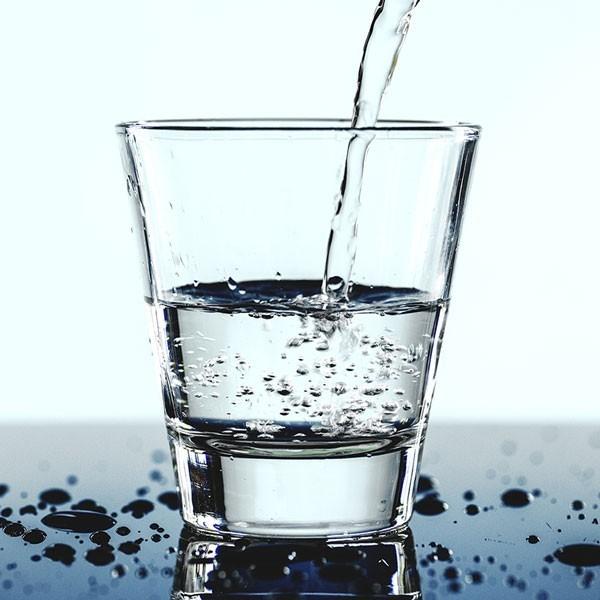 rimani idratato e bevi tanta acqua 14 rimedi per smettere di russare che funzionano