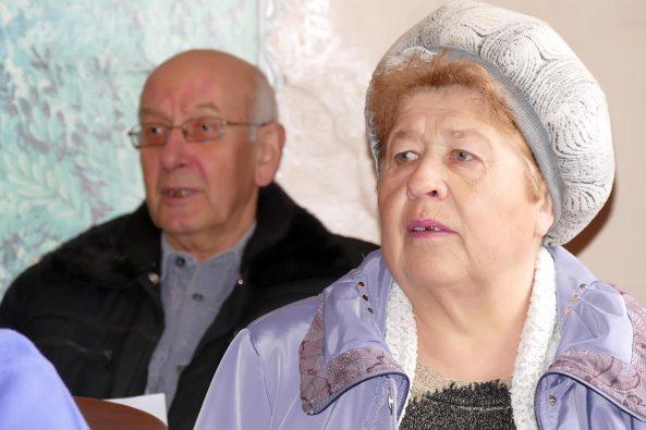 Полина Леонидовна Аксенова на репетиции хора