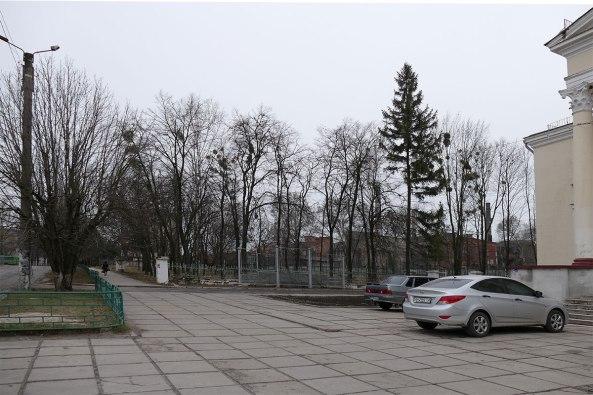 Площадь у ДК Июма
