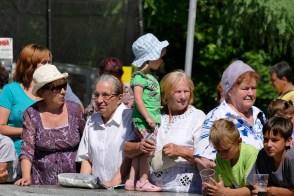 Бабушки на празднике