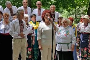 Лисаченко Валентина Николаевна директор Изюмской районной библиотеки, Заслуженный работник культуры Украины