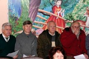 Слева двое новичков и Борис Мосюр с Михаилом Кузнецовым справа