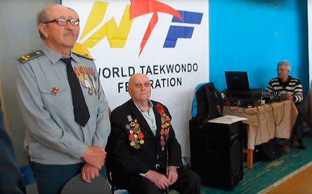 На церемонии открытия присутствовали 92-летний участник боевых действий Второй Мировой войны и ветеран, участник ликвидации аварии на Чернобыльской АЭС
