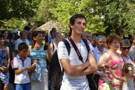 На открытии мурала Джону Леннону собралось много изюмчан и гостей города
