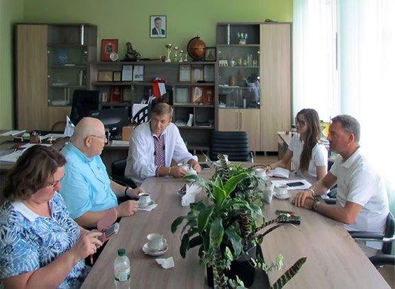 Генеральный консул Федеративной Республики Германия в Украине Вольфган Мессингер и заместитель Изюмского городского головы Константин Петров