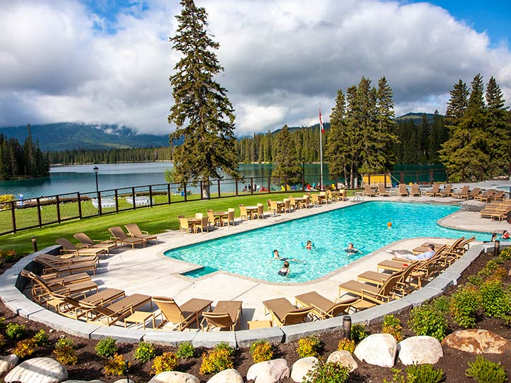 jasper-park-lodge-pool