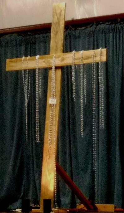 cross-with-chains