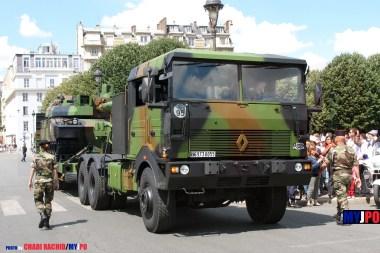 French Army Renault TRM 700-100 of the 516e Régiment du Train (516e RT) & Leclerc MBT of the 503e Régiment de Chars de Combat (503e RCC), Esplanade des Invalides, Paris, July 14, 2008.