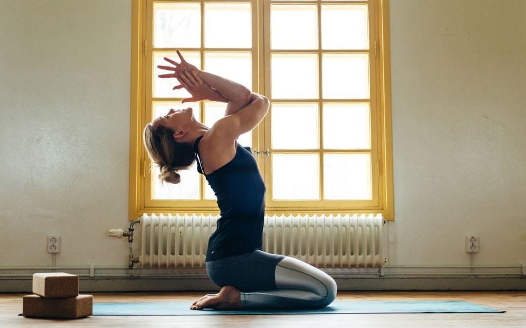 Kom lär dig enkla klassiska yogasekvenser eller utveckla dom vidare, nu kör vi!