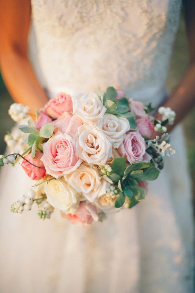 Нежный букет невесты: как подобрать цветы и оттенки - 5