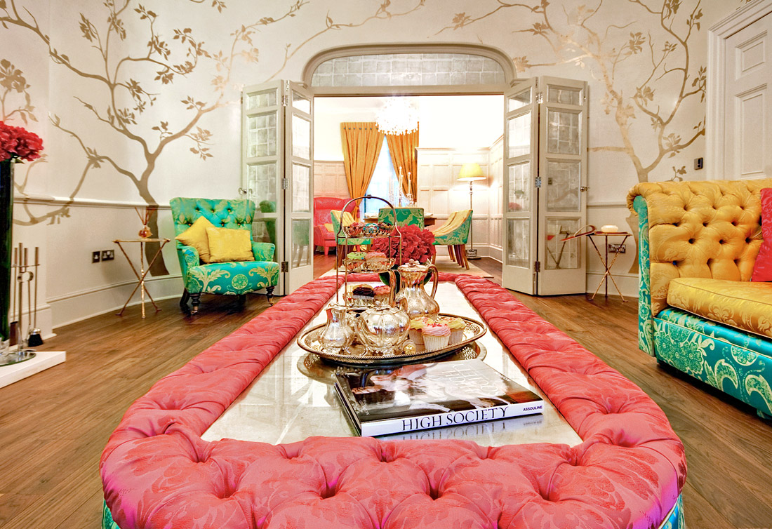 Eccentric Living Room Designs That Feature Richness With