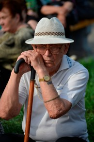 Anciano Aburrido - Bored Old Guy