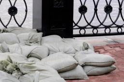 """Los sacos de """"protección"""" - The """"protective"""" sand bags"""