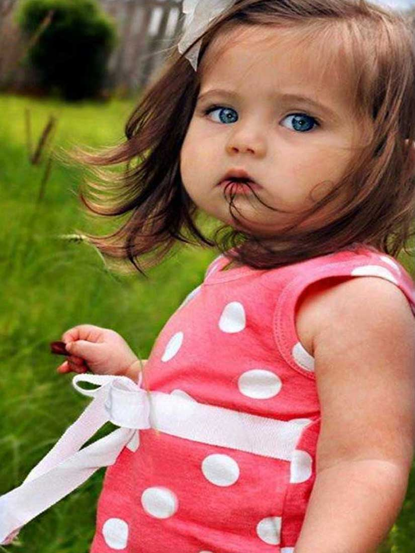 Sad Baby Girl Photo : photo