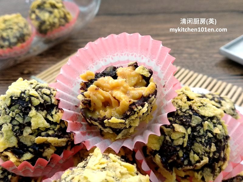 No-Bake Chocolate Peanut Butter Corn Flakes Cookies