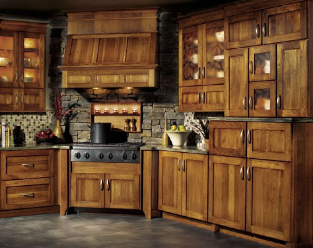 Lowes Kitchen Cabinets Doors Replacement Selecting The Right Kitchen Paint Colors With Maple