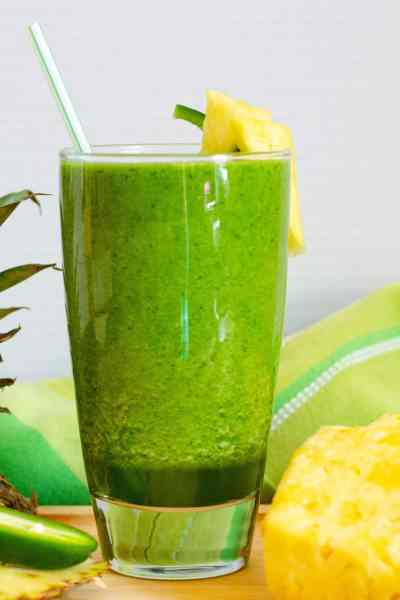 Spicy Pineapple Detox Smoothie