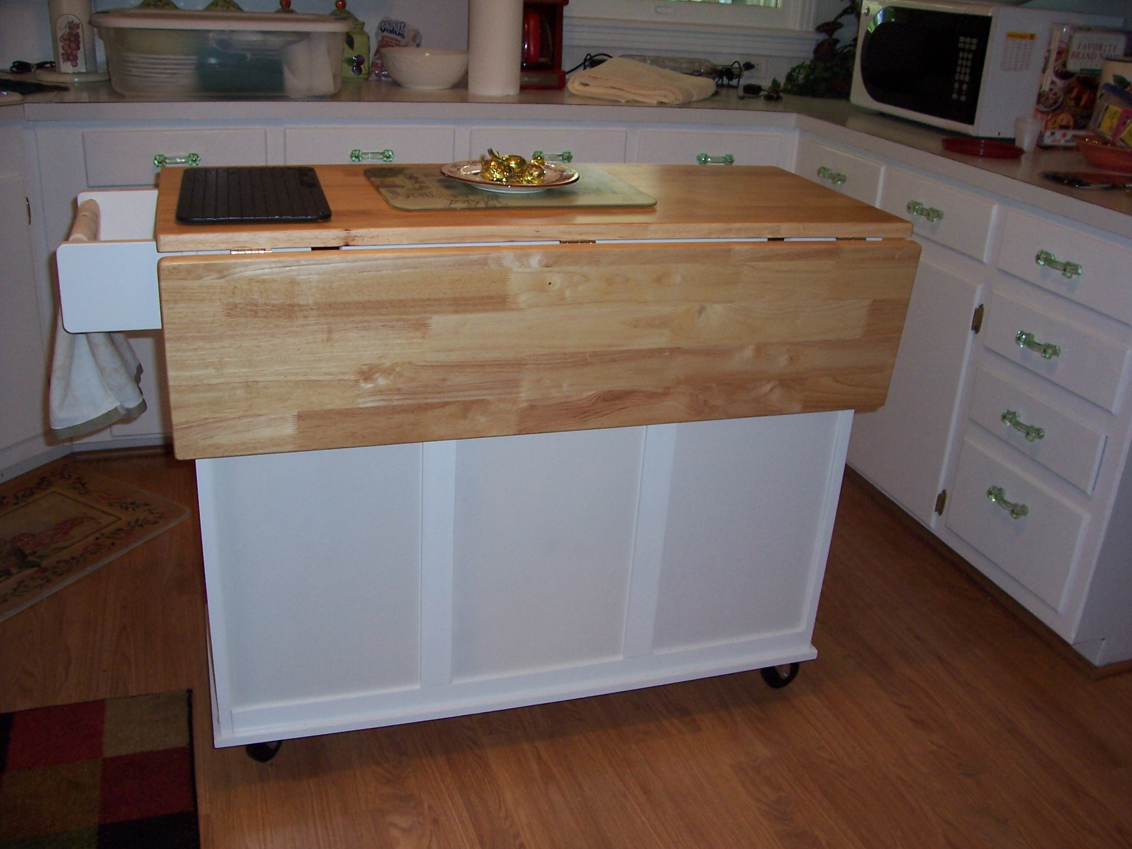 Rolling kitchen island Photo  5  Kitchen ideas