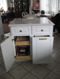 Kitchen island with trash bin Photo - 11 | Kitchen ideas