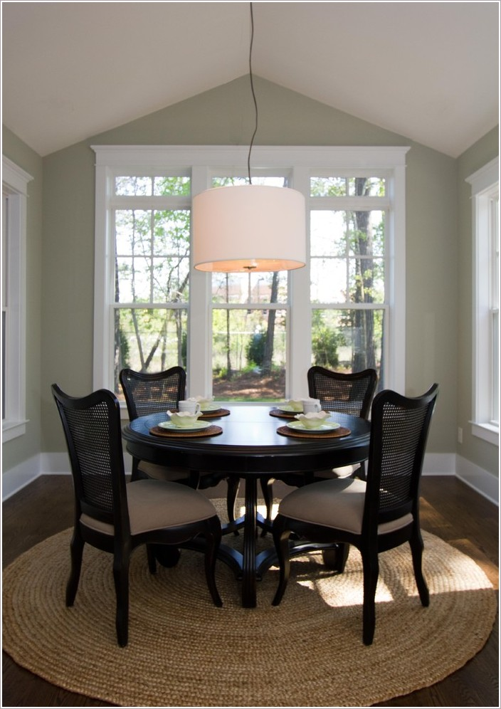 Kitchen nook table and chairs Photo