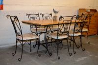 Wrought iron kitchen table and chairs Photo