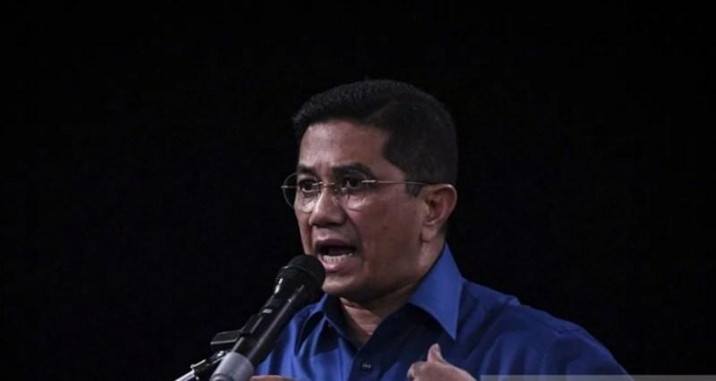 Azmin respons hantaran 'pintu depan' Ismail Sabri