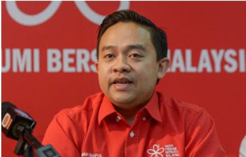 Cadangan Wan Saiful tutup pendaftaran vaksin tak masuk akal