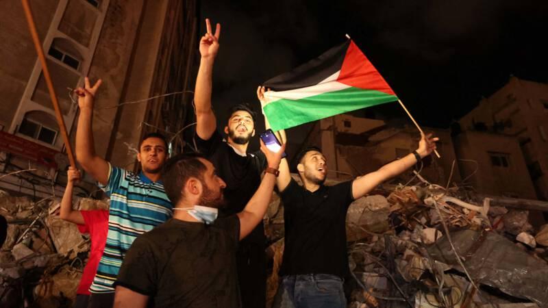 Rakyat Palestin rai gencatan senjata dengan sujud syukur ...