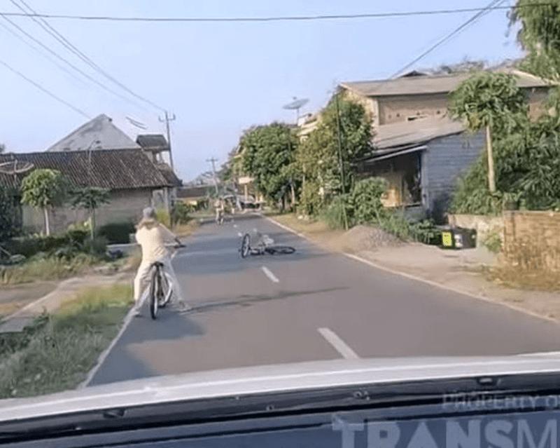 "Nia Ramadhani Jatuh Basikal Hingga Lebam Kaki..""Saya Macam Badut Sarkas Tahu Tak?"""