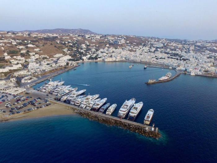 Mykonos old port