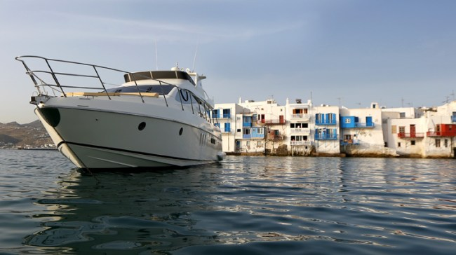 Mykonos private yachting services