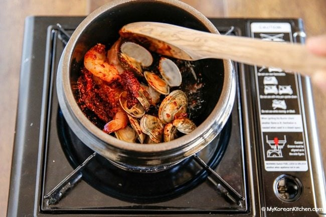 Sundubu Jjigae - Adding seafood